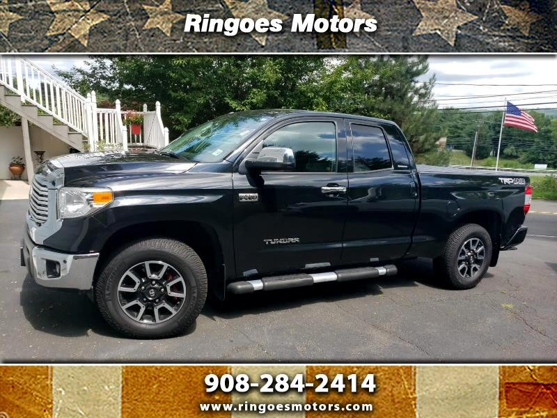 Toyota Tundra Limited 5.7L Double Cab 4WD 2017