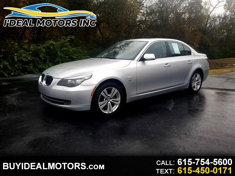 BMW 5-Series 528xi 2010