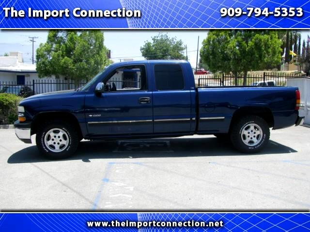 2000 Chevrolet Silverado 1500 LS Ext. Cab 3-Door Long Bed 2WD