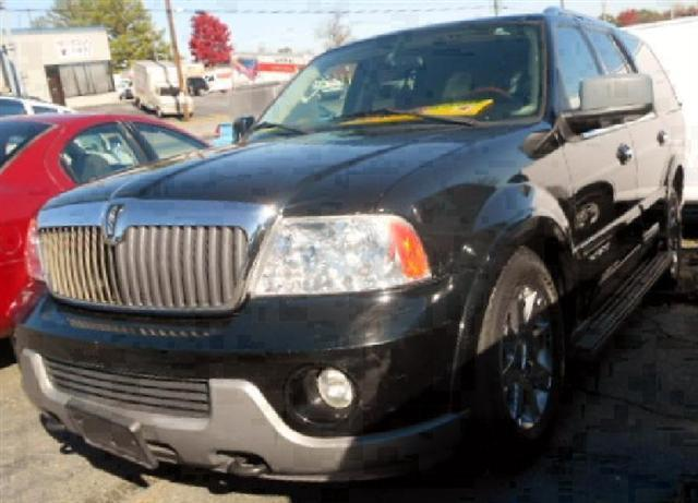 2003 Lincoln Navigator 2WD Luxury