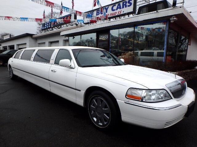 2005 Lincoln Town Car Limousine