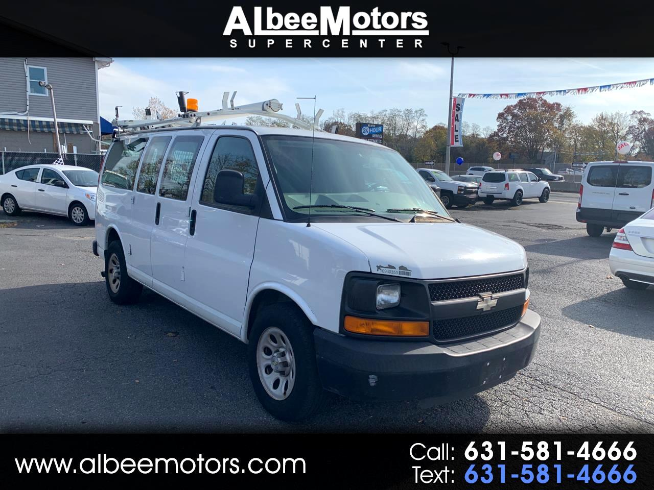 """Chevrolet Express Cargo Van RWD 1500 135"""" 2009"""