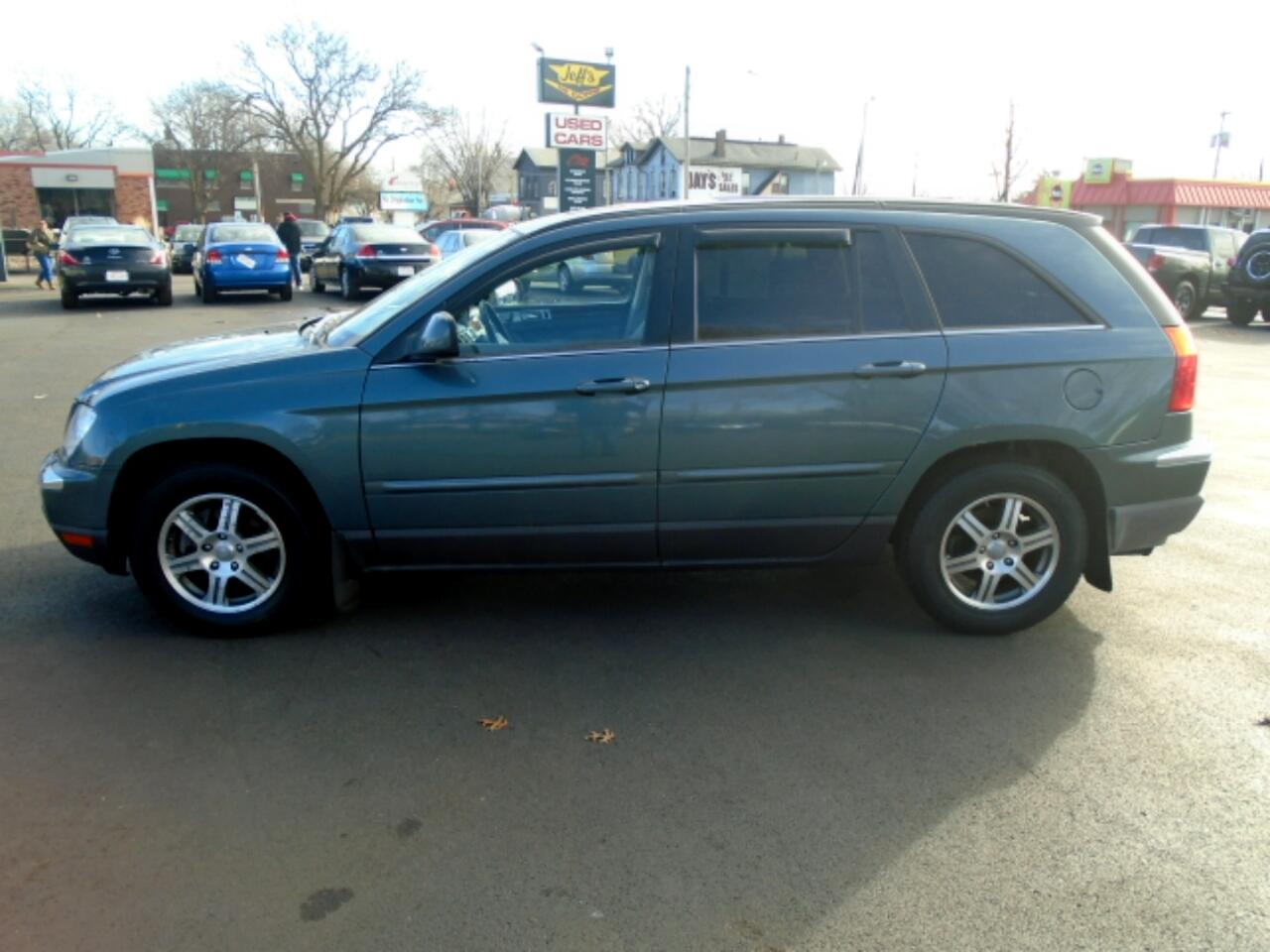 Chrysler Pacifica Touring FWD 2007