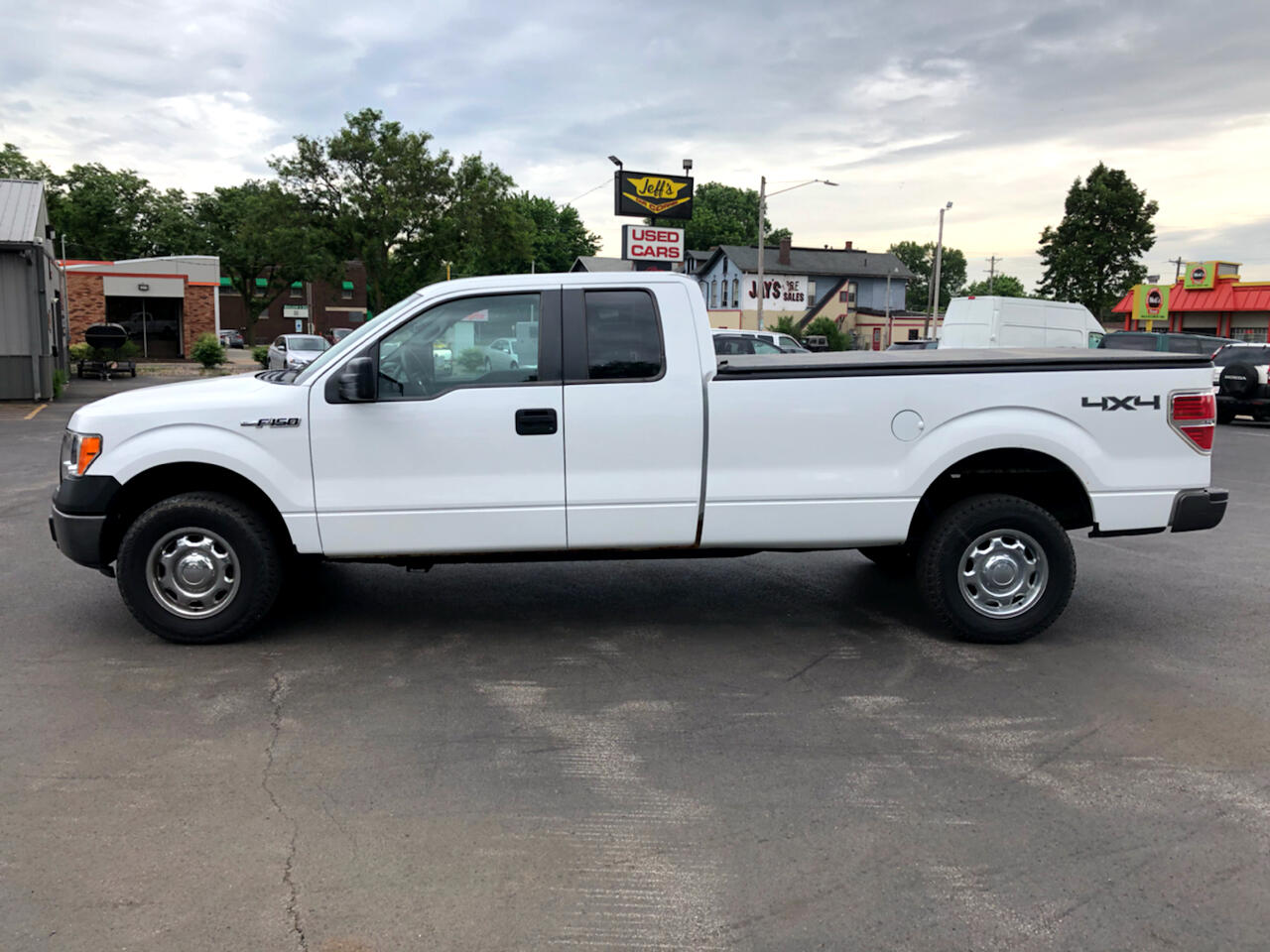 Ford F-150 XL SuperCab 8-ft. Bed 4WD 2012