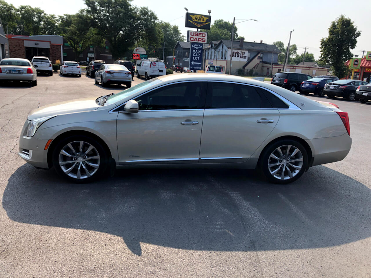 2016 Cadillac XTS 4dr Sdn Luxury Collection FWD