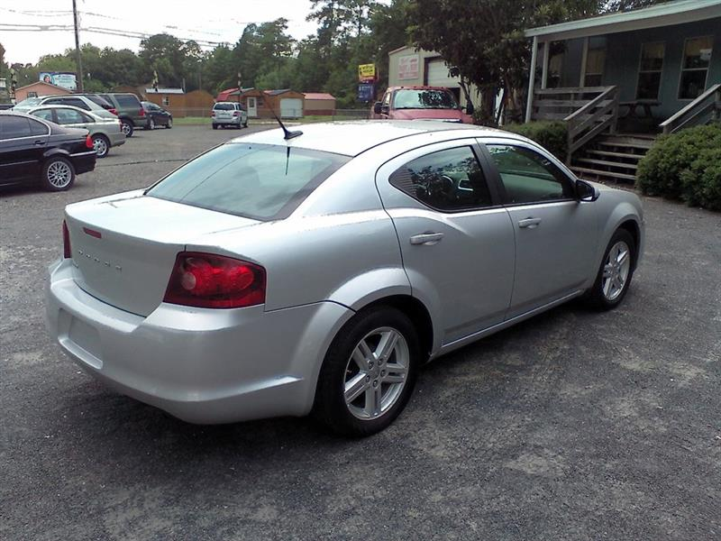 Dodge Avenger Mainstreet 2011