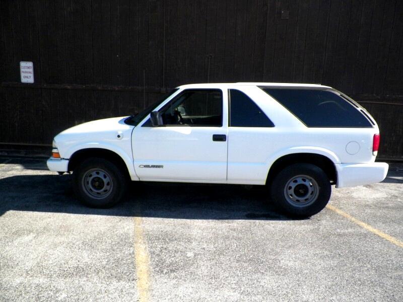 2004 Chevrolet Blazer 2-Door 4WD LS