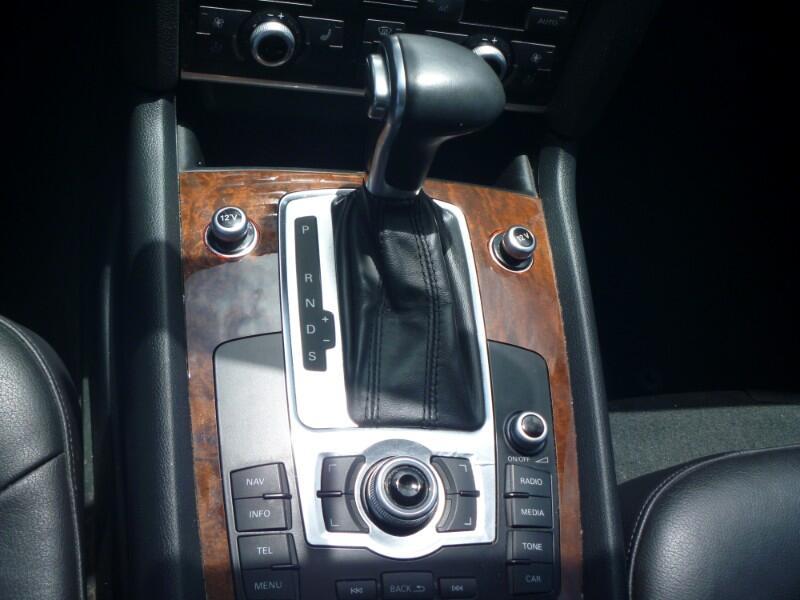 Audi Q7 TDI quattro Premium 2012