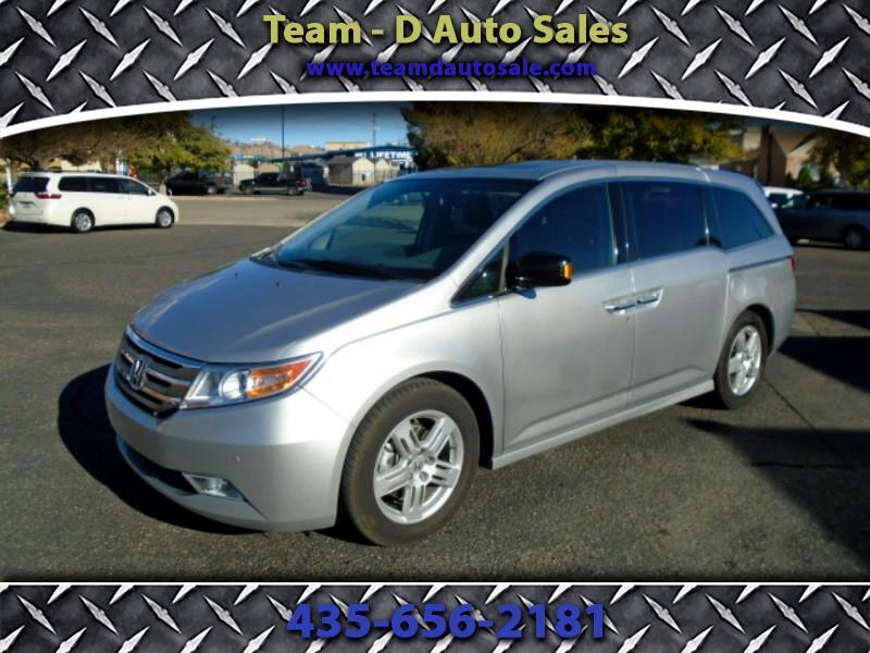 2013 Honda Odyssey Touring w/ Nav System and DVD