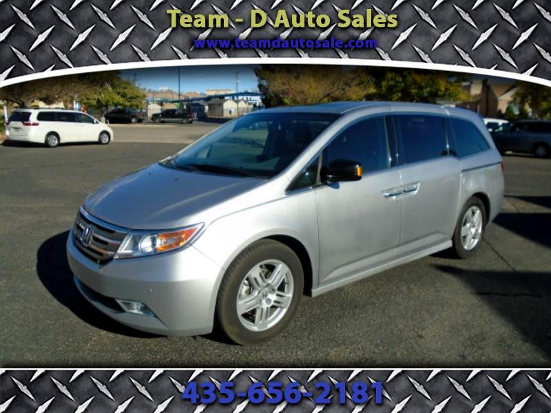 2013 Honda Odyssey Touring w/ Nav System and DVD
