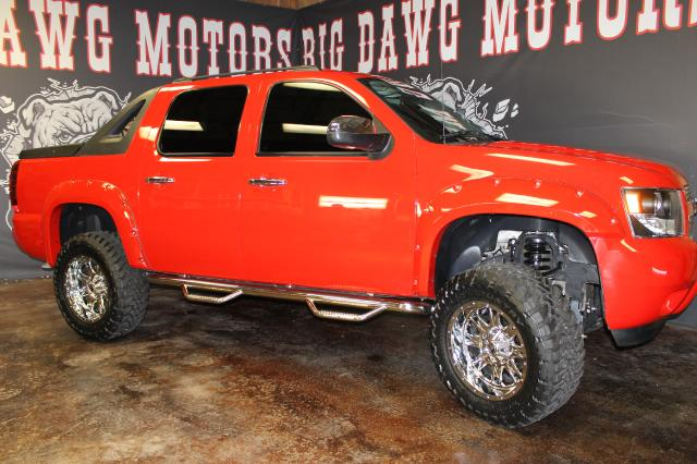 2008 Chevrolet Avalanche  LTZ 4WD LIFTED