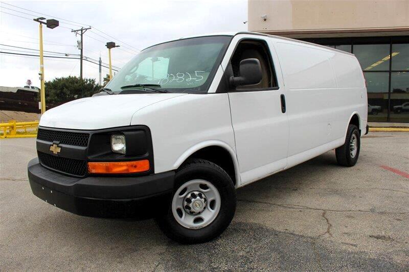 Chevrolet Express 3500 Cargo Extended 2011