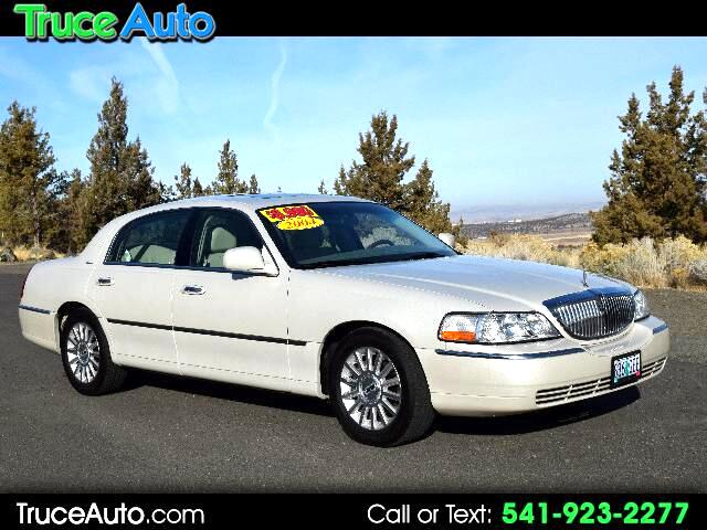 2004 Lincoln Town Car Ultimate LOW MILE LOADED