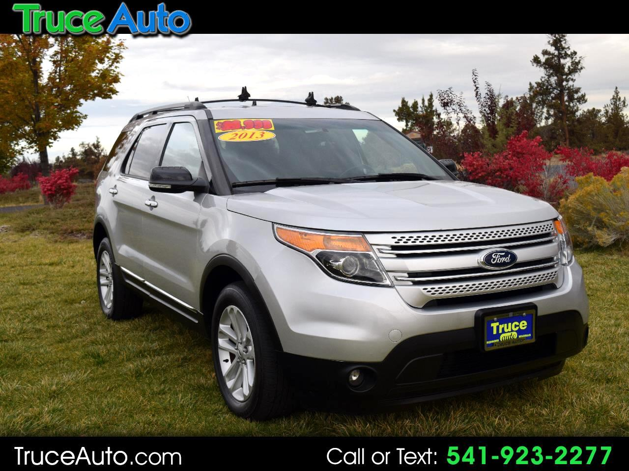 2013 Ford Explorer XLT 4WD ***ONE OWNER***LOW MILE***THIRD ROW***