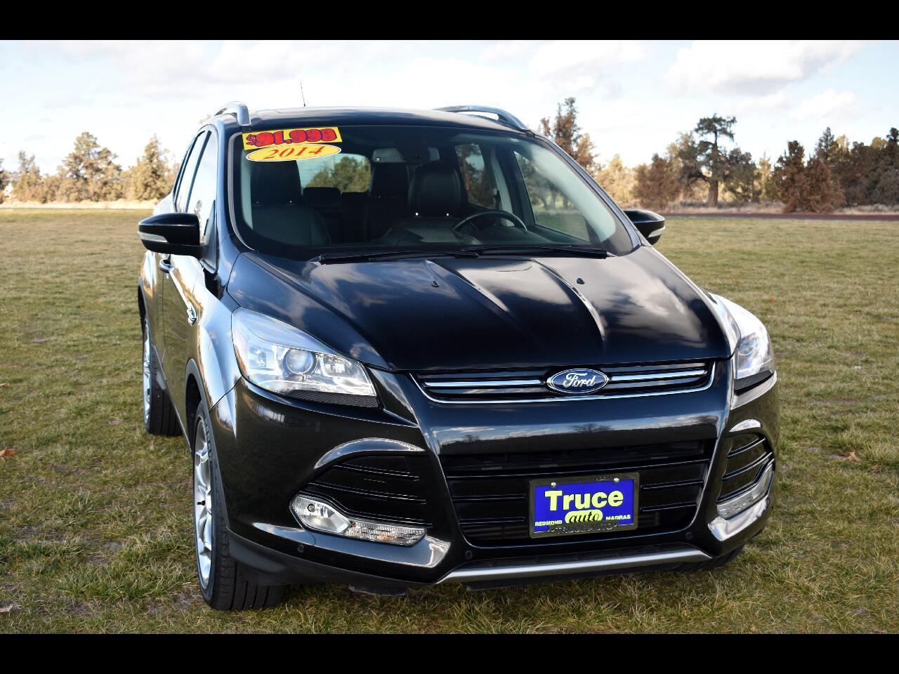 2014 Ford Escape Titanium 4WD ***EXTRA LOW MILES***