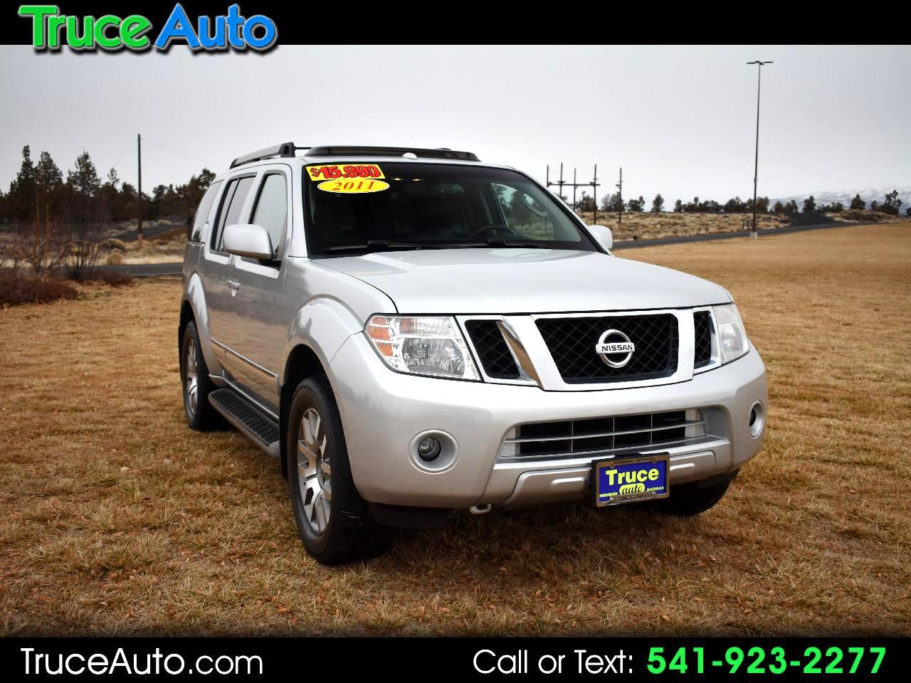 2011 Nissan Pathfinder LE 4WD ***LOW MILE***