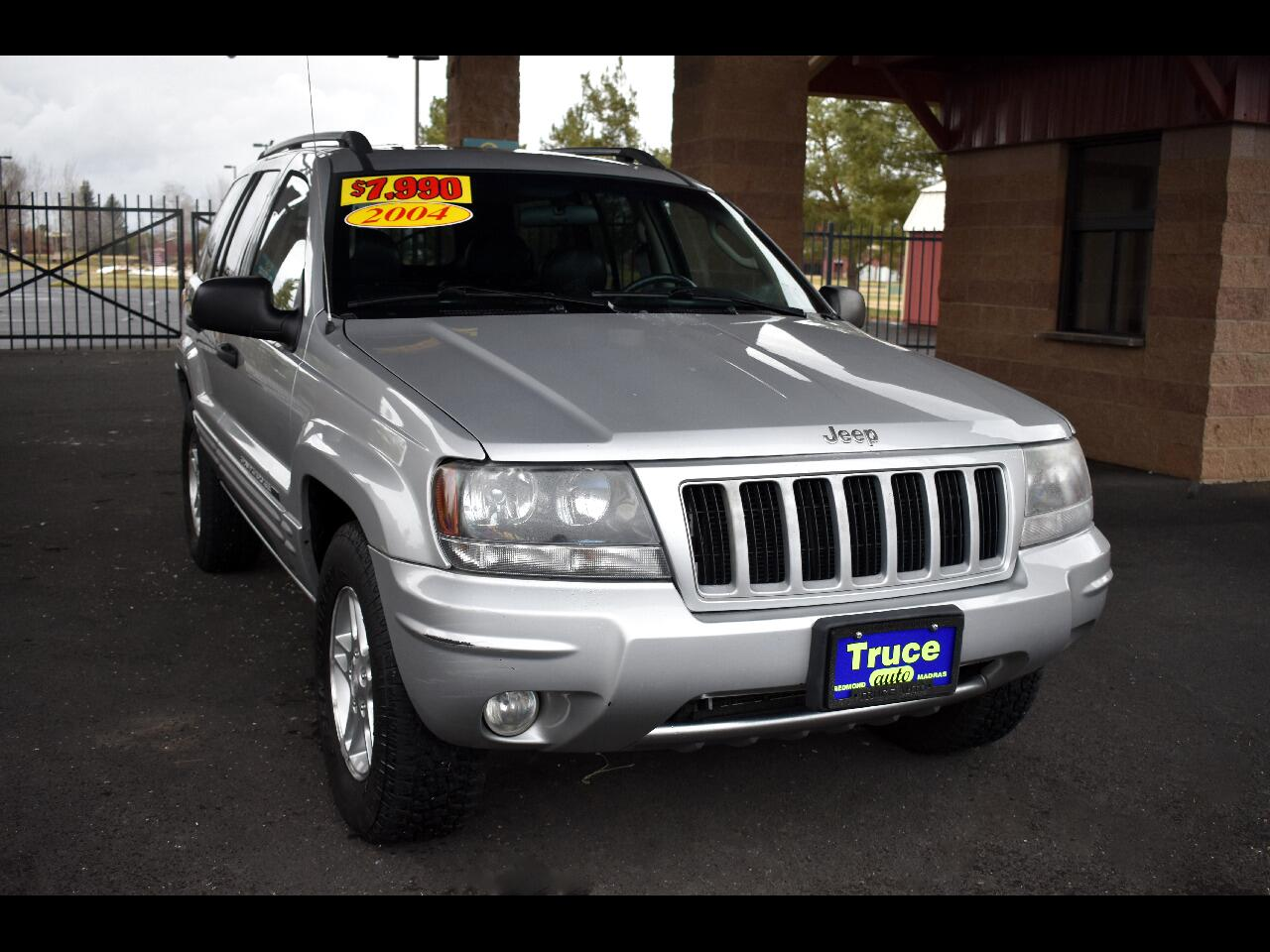 2004 Jeep Grand Cherokee 4 DR LAREDO 4WD  ***LOW MILES ***