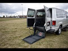 2004 Ford Econoline Wagon