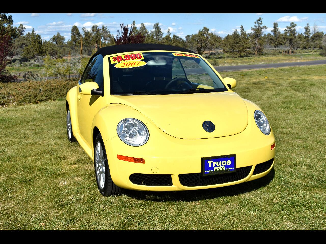 2007 Volkswagen New Beetle Convertible 2dr Manual **ONE OWNER**