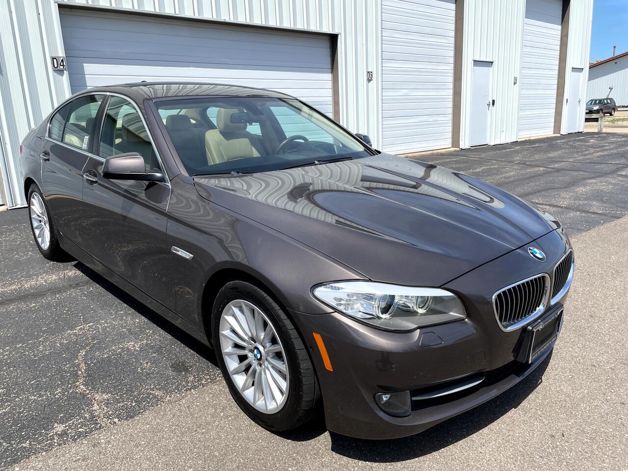 BMW 5 Series 4dr Sdn 535i RWD 2013