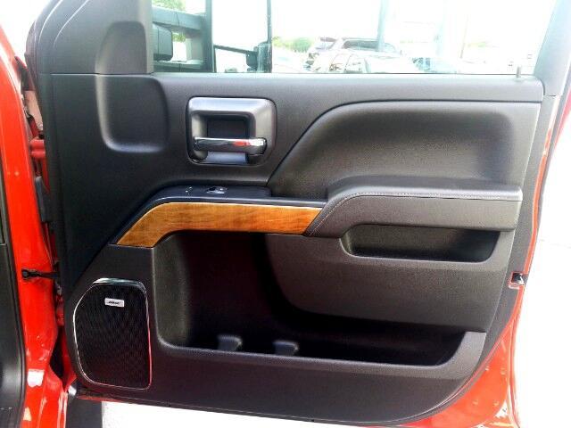 2017 Chevrolet Silverado 3500HD LTZ Crew Cab 4x4 Dually