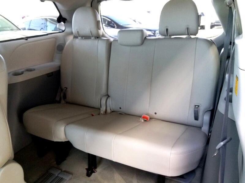 2011 Toyota Sienna XLE 8-Pass V6