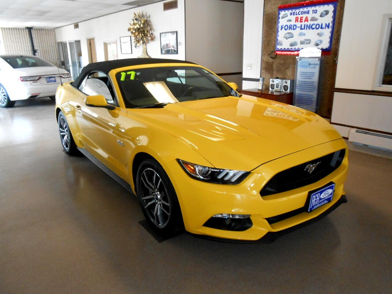 Ford Mustang GT convertible 2017