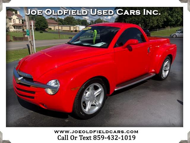 2004 Chevrolet SSR Base