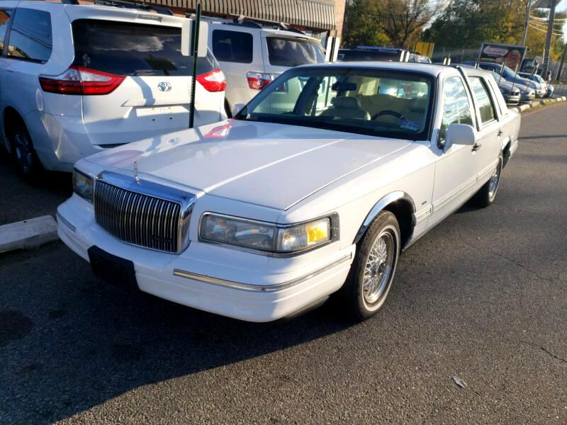 1995 Lincoln Town Car 4dr Sdn Executive
