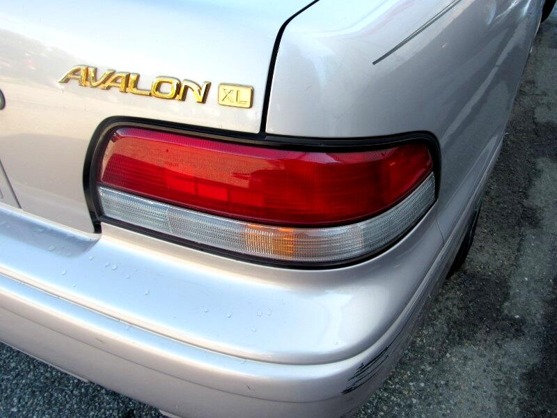 1997 Toyota Avalon XL