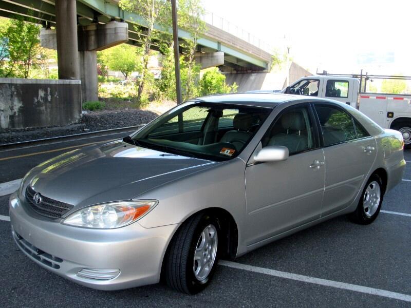 Toyota Camry XLE V6 2002