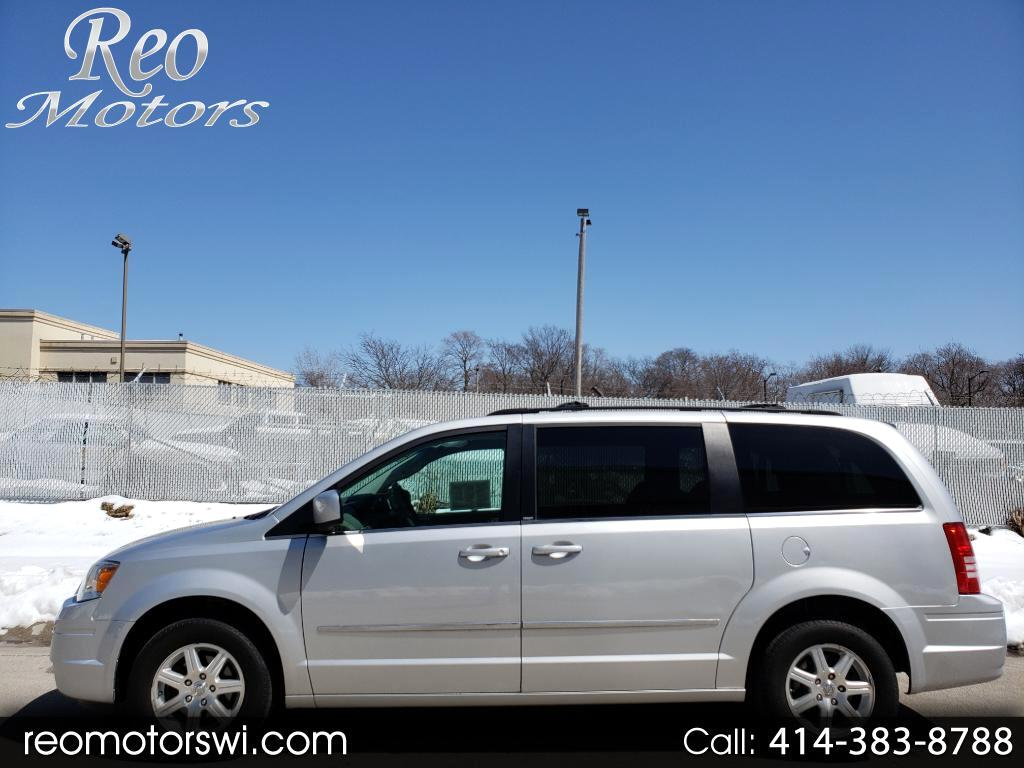2009 Chrysler Town & Country FWD