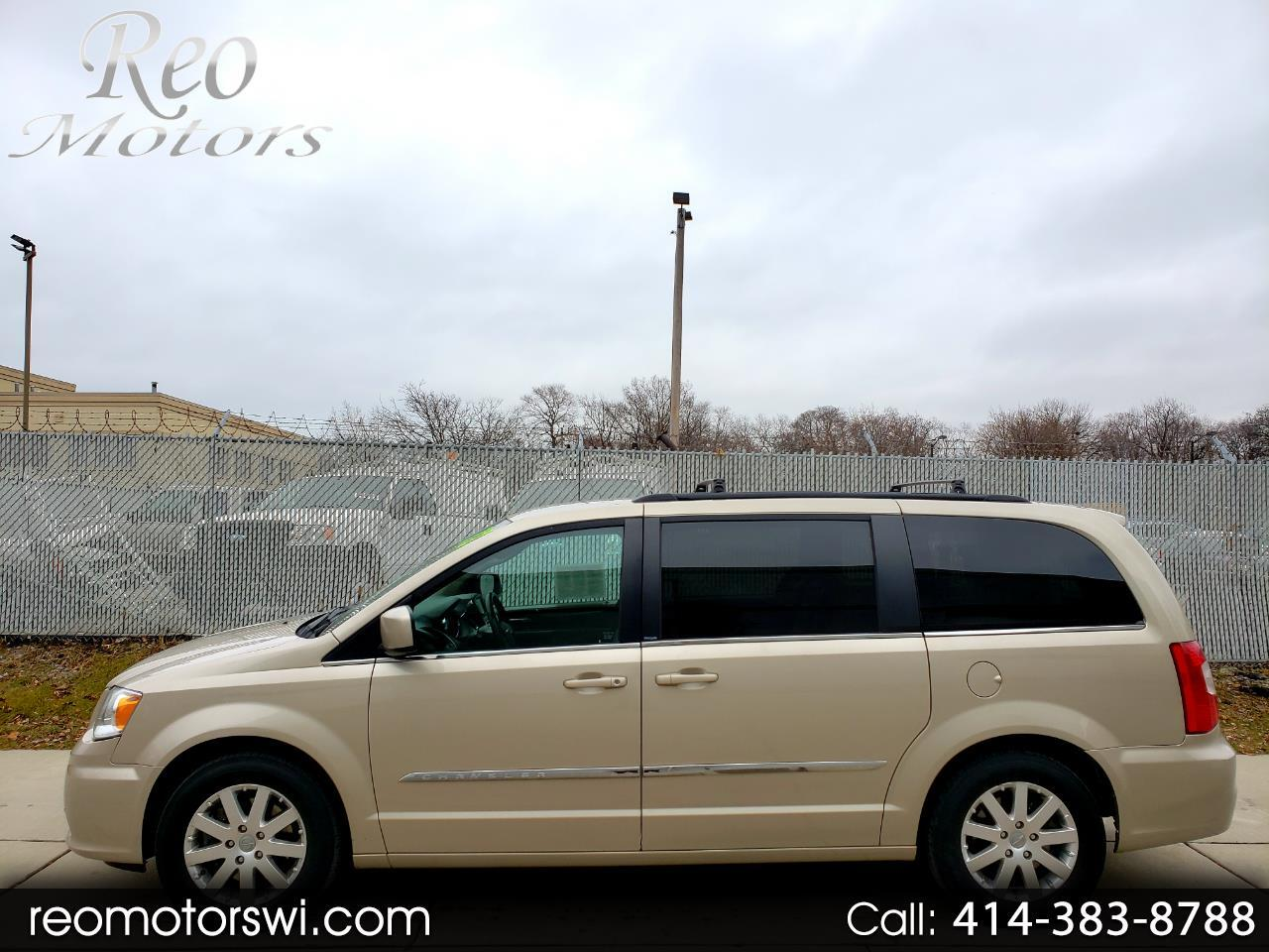 2012 Chrysler Town & Country FWD