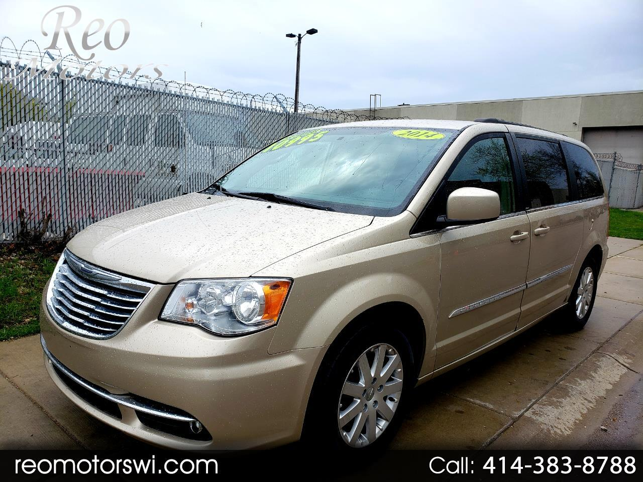 2014 Chrysler Town & Country FWD