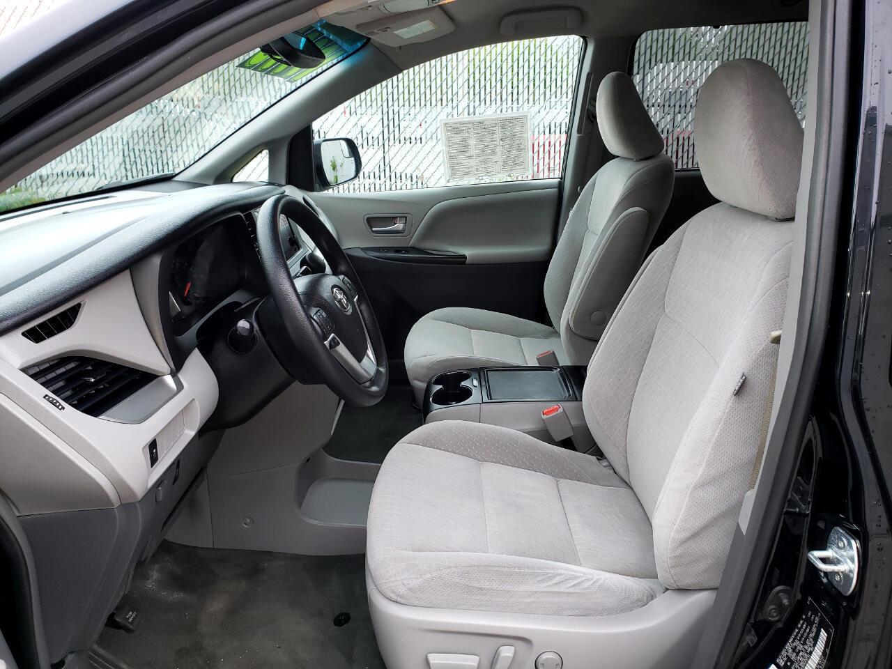 2016 Toyota Sienna LE V6
