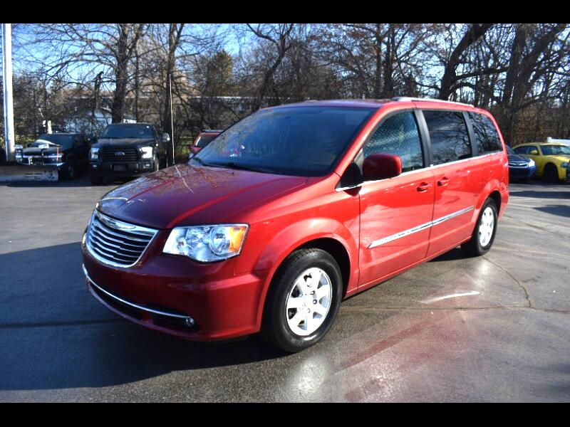 Chrysler Town & Country 4dr Touring FWD 2012
