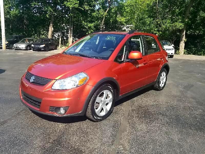 Suzuki SX4 Crossover Base AWD 2011