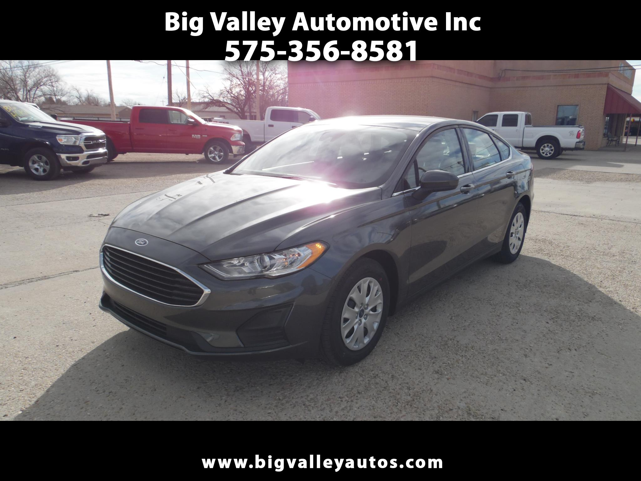 Ford Fusion S FWD 2020
