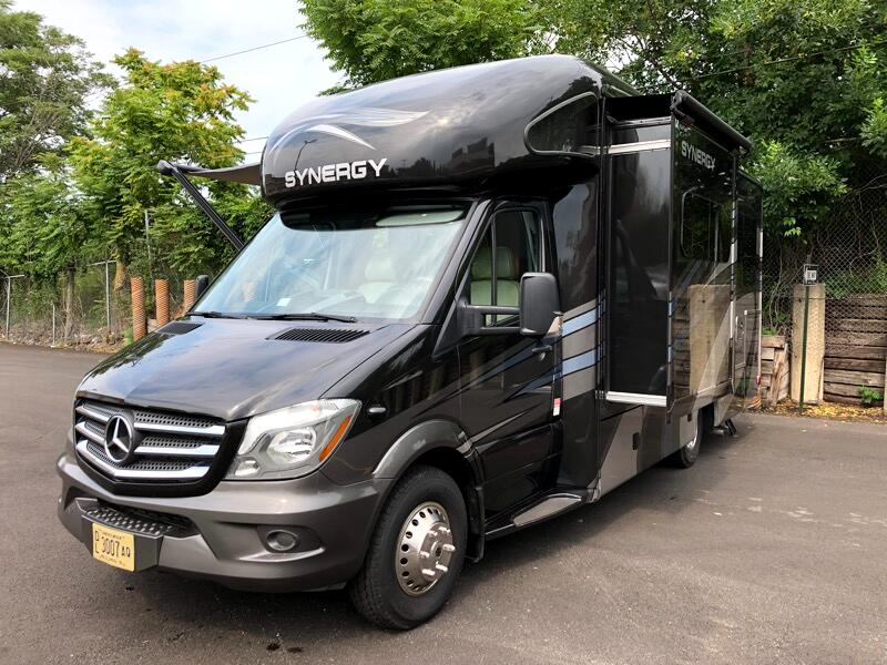 2017 Mercedes-Benz Sprinter THOR SYNERGY TT24