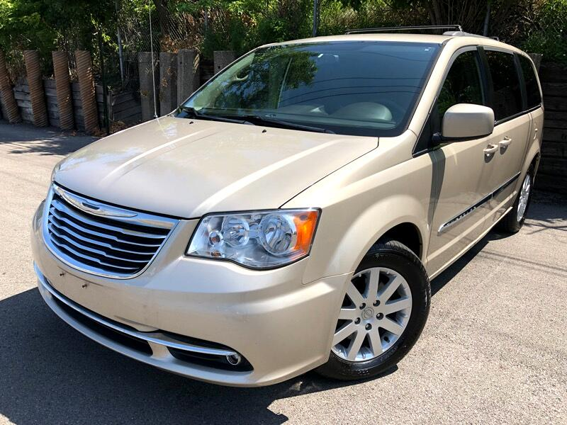 2013 Chrysler Town & Country touring limited
