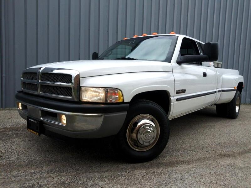 1999 Dodge Ram 3500 Quad Cab 2WD SLT Laramie