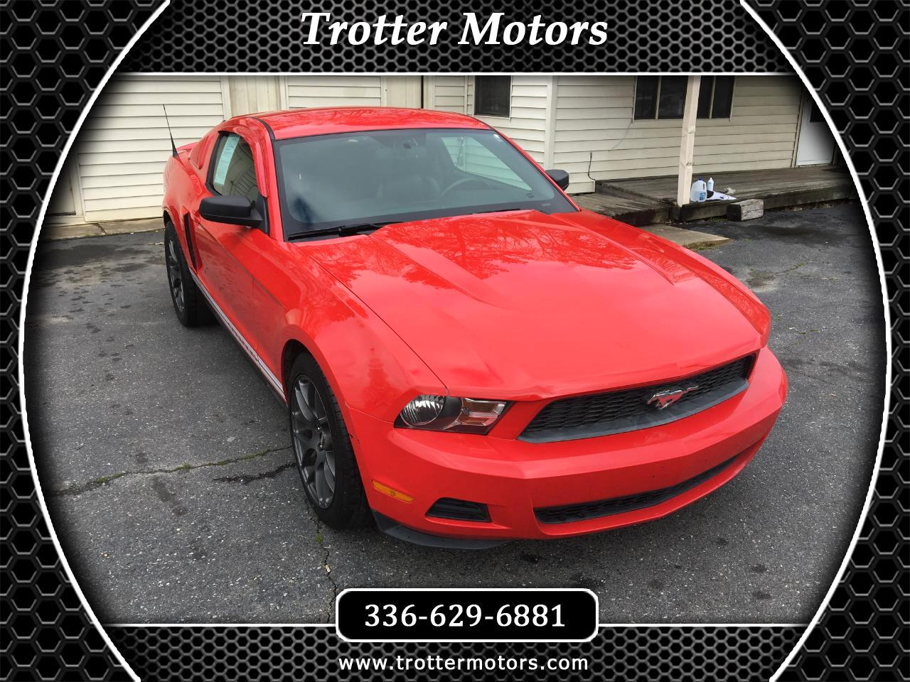 2010 Ford Mustang 2dr Cpe Deluxe