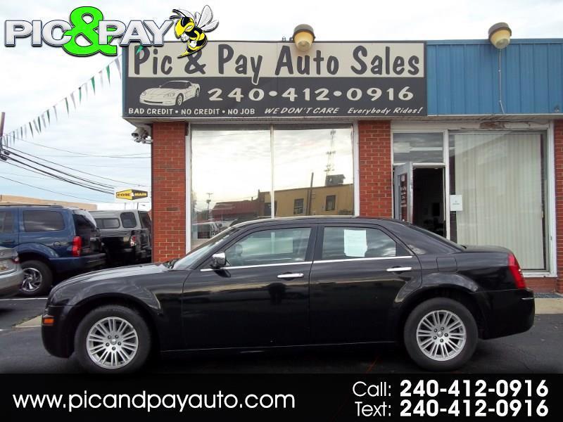 2010 Chrysler 300 4dr Sdn Touring RWD