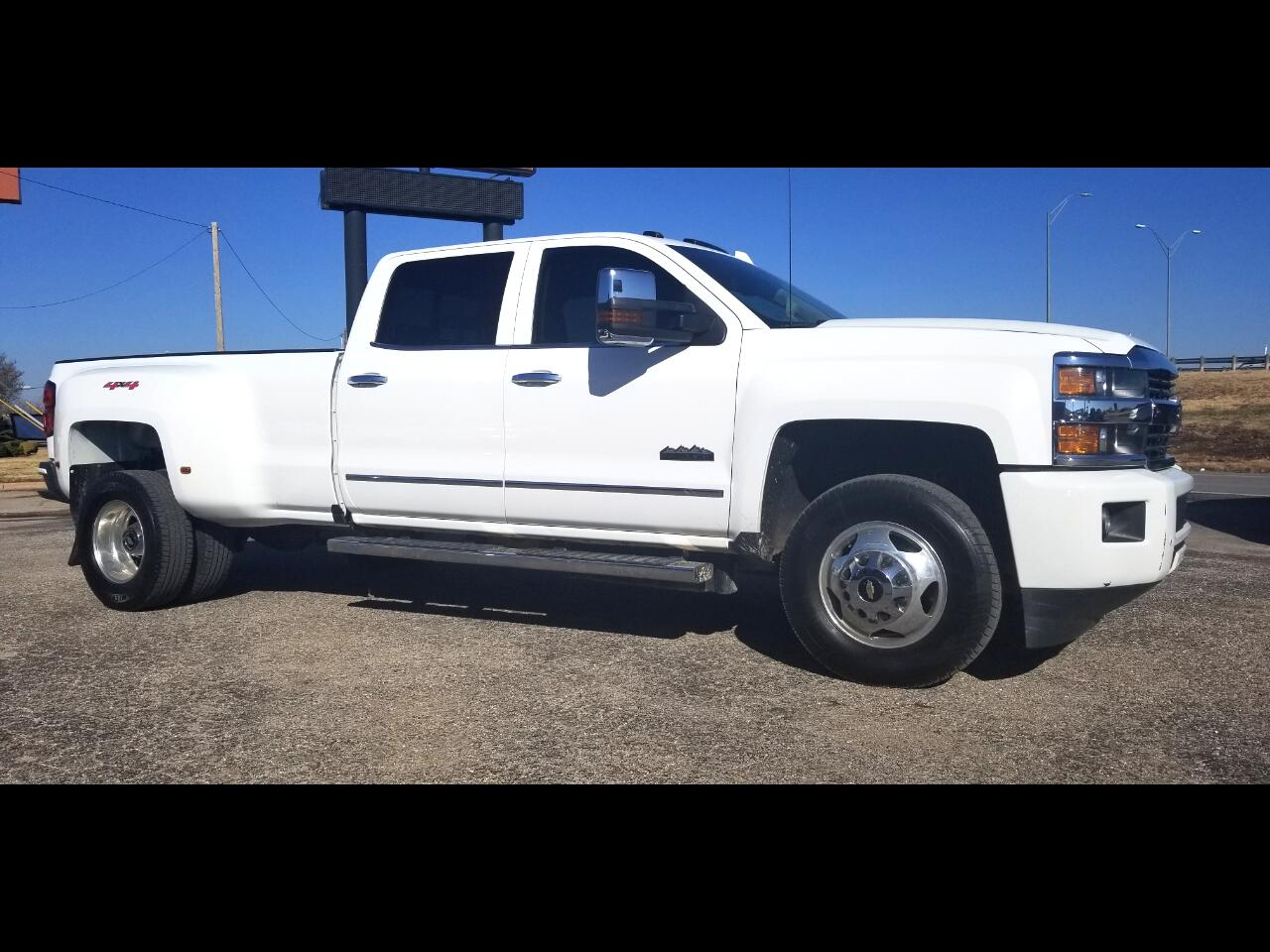 2015 Chevrolet Silverado 3500HD Built After Aug 14 Crew Cab High Country 4X4 DRW