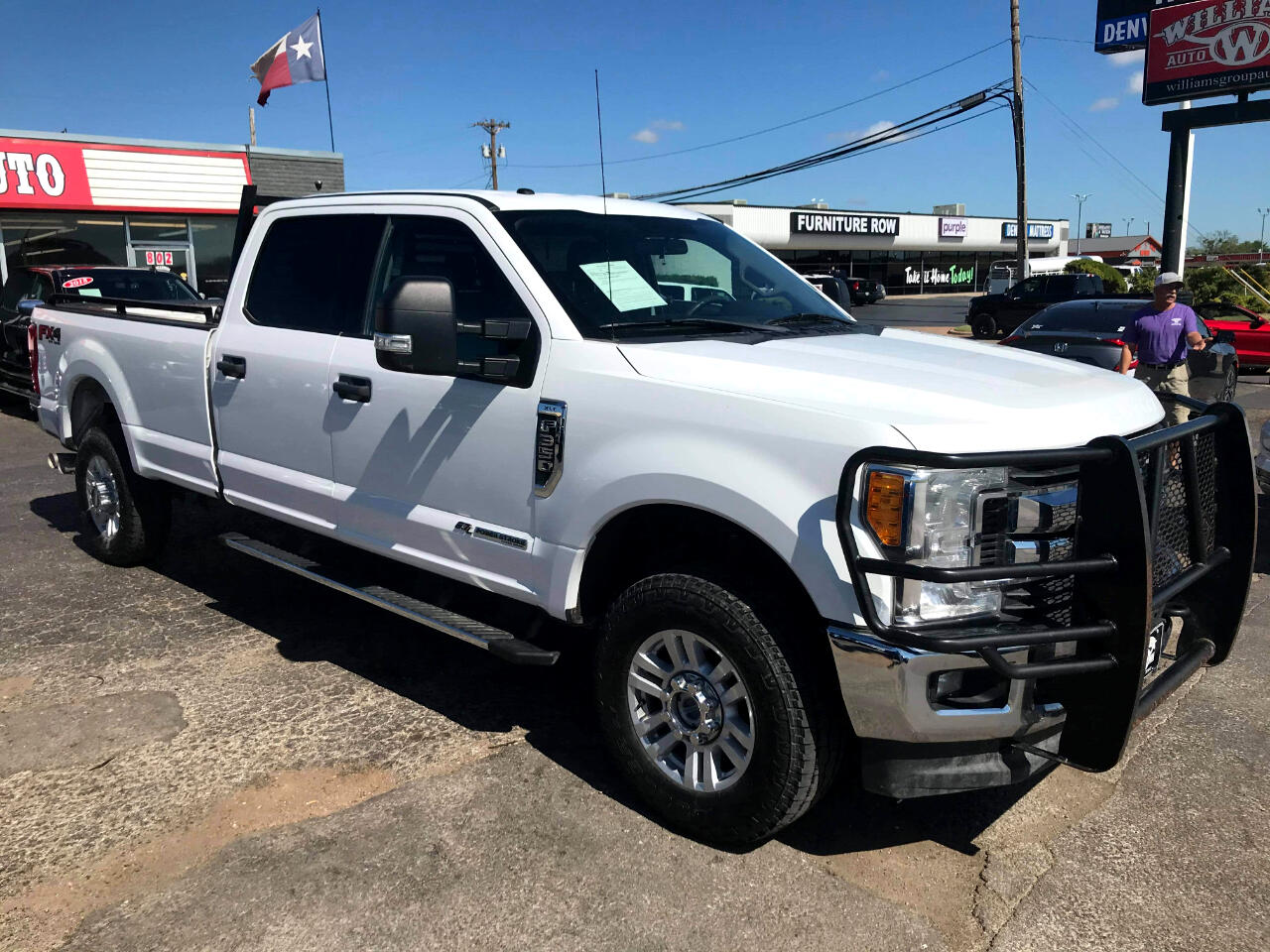 Ford Super Duty F-350 SRW XLT 4WD Crew Cab 8' Box 2017