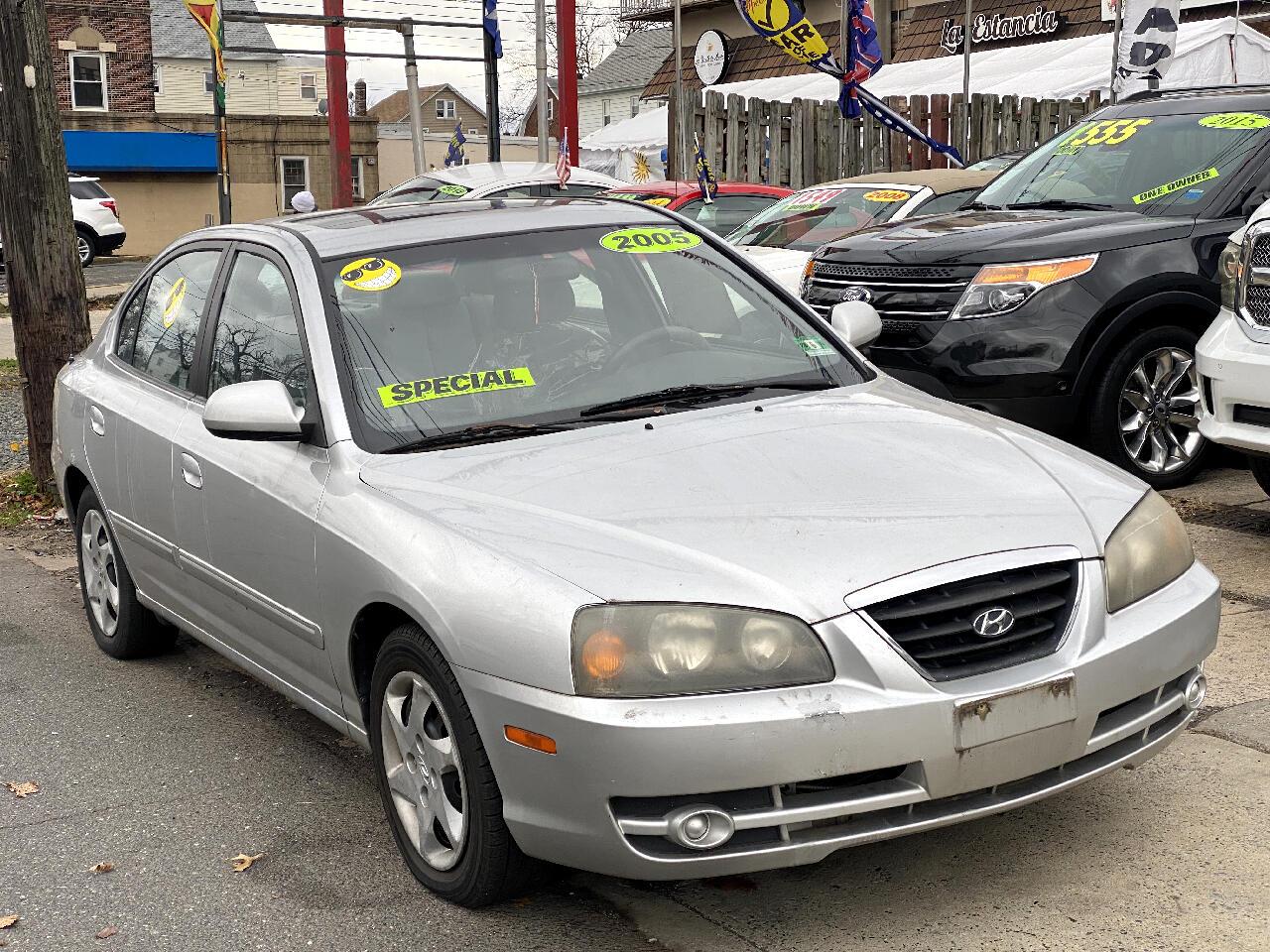 Hyundai Elantra GLS 4-Door 2005
