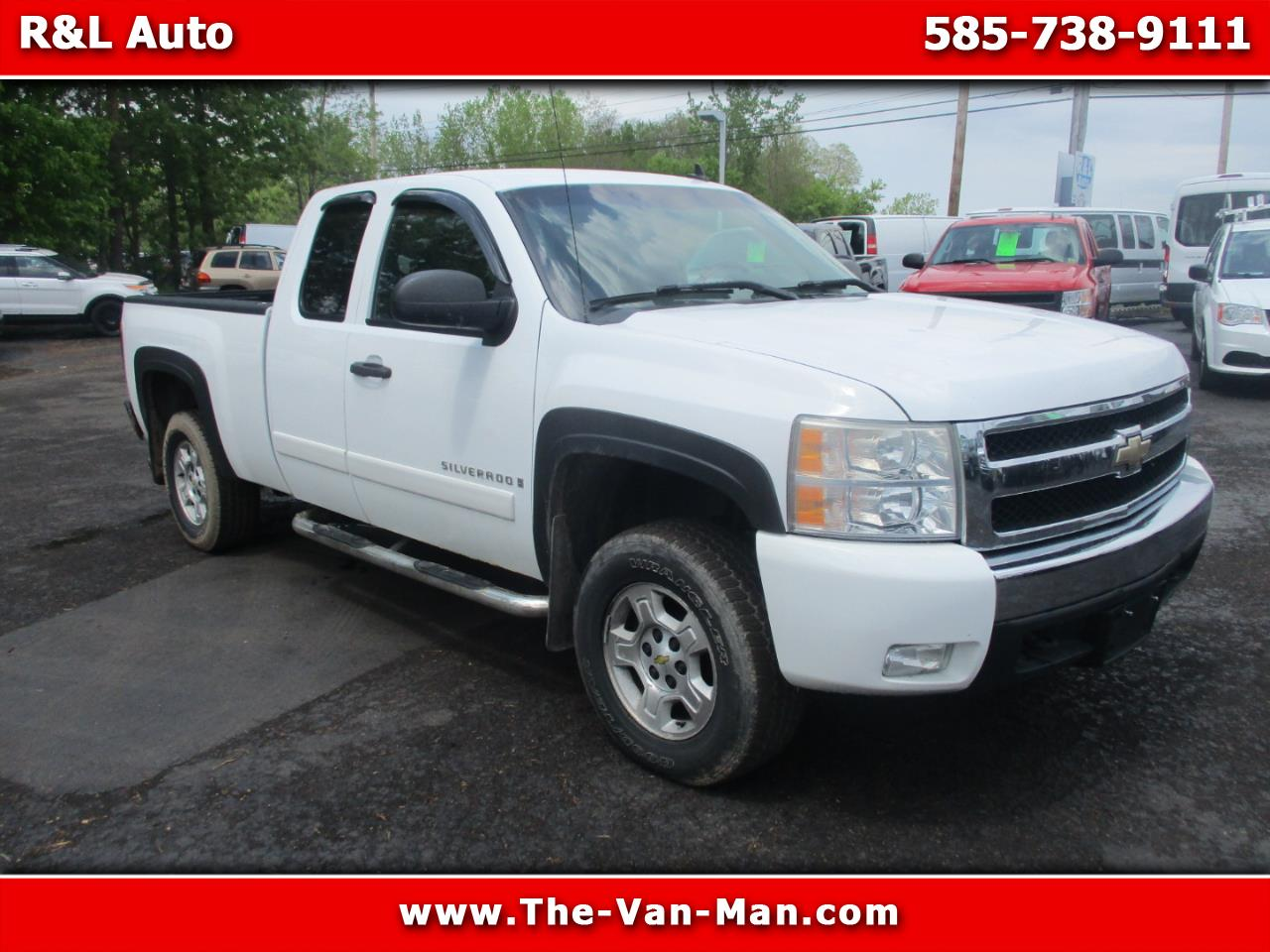 2008 Chevrolet Silverado 1500 Work Truck Ext. Cab Short Box 4WD