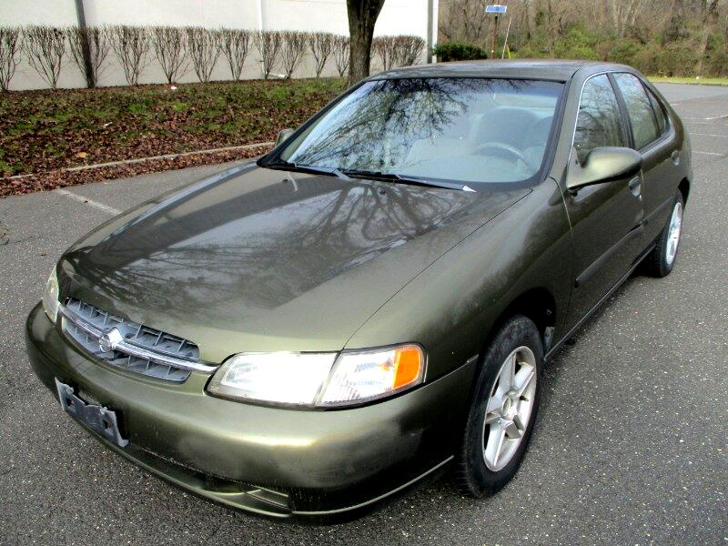1998 Nissan Altima XE