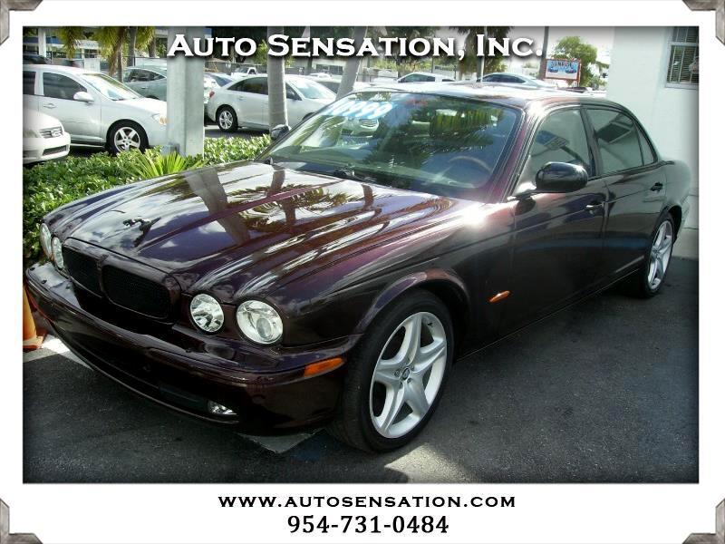 2005 Jaguar XJ 4dr Sdn Super V8