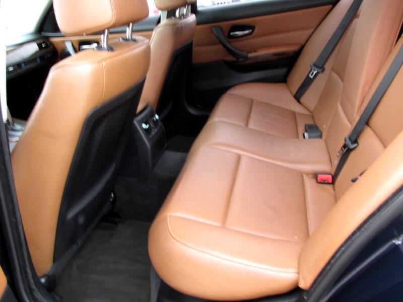 BMW 3-Series 328i xDrive 2010